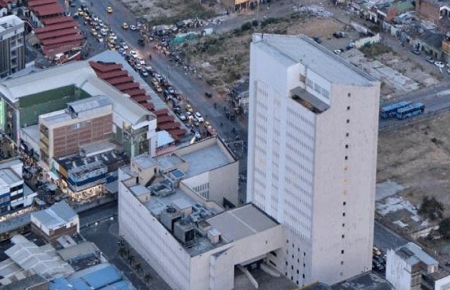 Desplome de ascensor en el Palacio de Justicia de Cali deja un muerto y 5 heridos